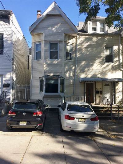 Jersey City Single Family Home For Sale: 130 Magnolia Ave