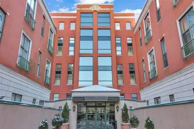 Weehawken Condo/Townhouse For Sale: 518 Gregory Ave #A409