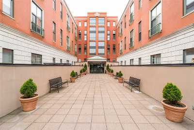 Weehawken Condo/Townhouse For Sale: 518 Gregory Ave #A405
