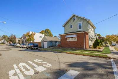 Carlstadt Single Family Home For Sale: 601 Madison St