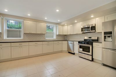 Jersey City Condo/Townhouse For Sale: 968 Summit Ave #1