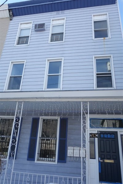 Union City Multi Family Home For Sale: 113 39th St