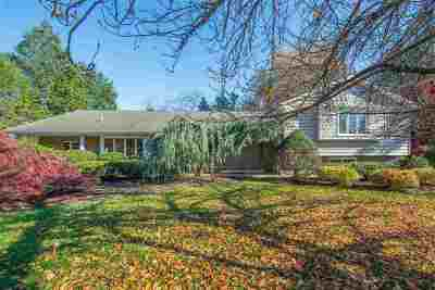 Woodcliff Lake Single Family Home For Sale: 95 Woodcliff Lake