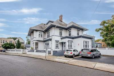 Jersey City Single Family Home For Sale: 118 Sherman Pl