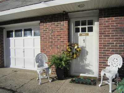 Bayonne Single Family Home For Sale: 1 Egan Ct