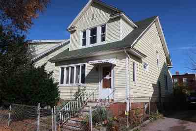 Jersey City Single Family Home For Sale: 38 Neptune Ave