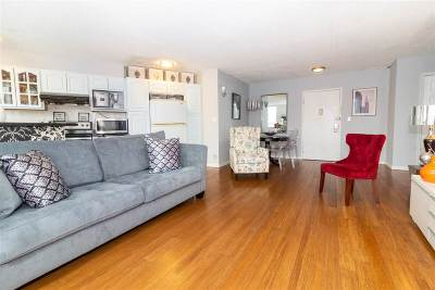 Union City Condo/Townhouse For Sale: 100 Manhattan Ave #202