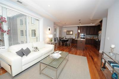 Weehawken Condo/Townhouse For Sale: 250 Henley Pl #312