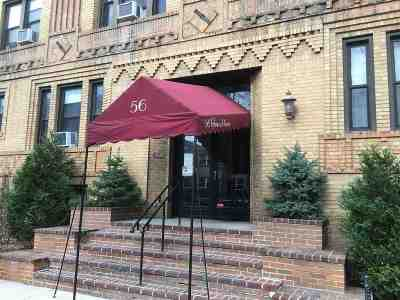 Jersey City Condo/Townhouse For Sale: 54 Glenwood Ave #48