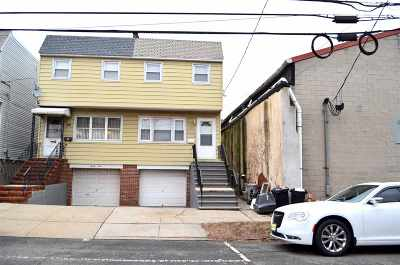 Bayonne Single Family Home For Sale: 35 East 50th St