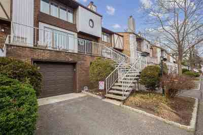 Clifton Condo/Townhouse For Sale: 900 Valley Rd #B2
