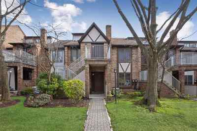 Clifton Condo/Townhouse For Sale: 900 Valley Rd #A005