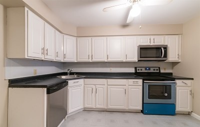 North Bergen Condo/Townhouse For Sale: 2012 Paterson Plank Rd