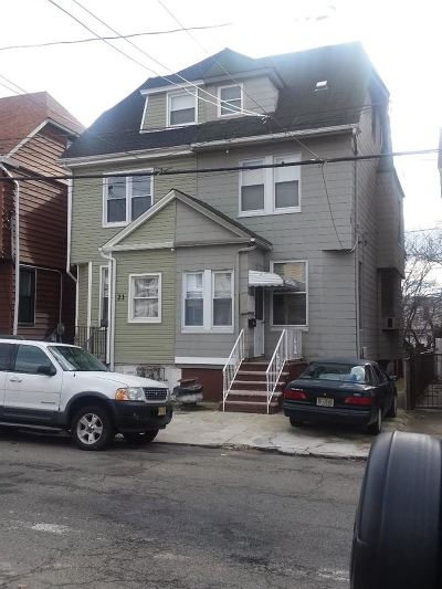 Jersey City Single Family Home For Sale: 23 Howard Pl