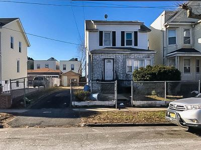 Jersey City Single Family Home For Sale: 41 Seaview Ave