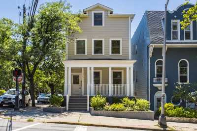 Weehawken Single Family Home For Sale: 724 Blvd East
