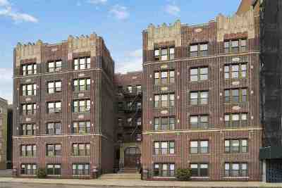 Weehawken Condo/Townhouse For Sale: 883 Blvd East #4G
