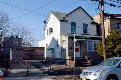 Jersey City Single Family Home For Sale: 51 Seaview Ave