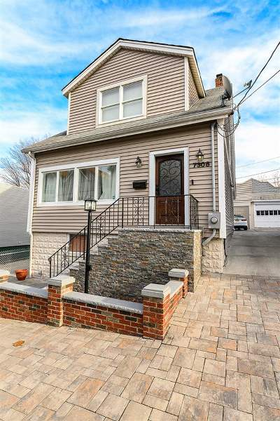 North Bergen Single Family Home For Sale: 7308 Cottage Ave