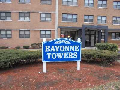 Bayonne Condo/Townhouse For Sale: 1225 Kennedy Blvd #8H