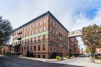 Jersey City Condo/Townhouse For Sale: 187 Wayne St #206