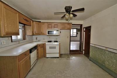 North Bergen Single Family Home For Sale: 6506 Durham Ave