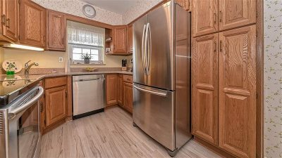 Bayonne Condo/Townhouse For Sale: 129 West 33rd St #C6