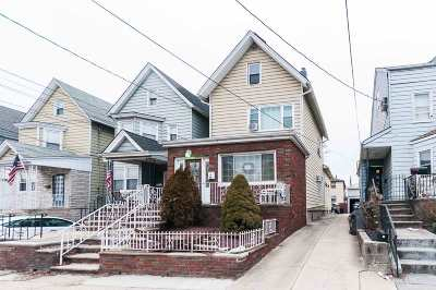 Bayonne Single Family Home For Sale: 17 East 45th St