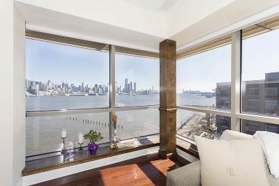 West New York Condo/Townhouse For Sale: 20 Avenue At Port Imperial #535