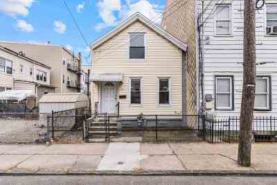 Jersey City Single Family Home For Sale: 55 Hutton St