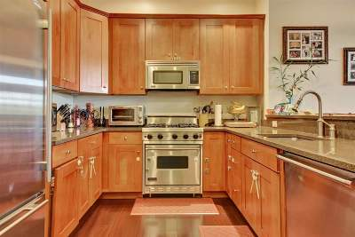 North Bergen Condo/Townhouse For Sale: 7400 River Rd #108
