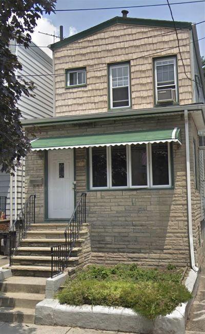 Bayonne Single Family Home For Sale: 19 West 26th St