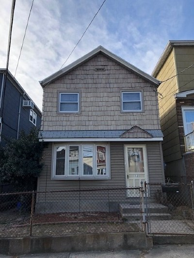 Bayonne Single Family Home For Sale: 12 West Grand St