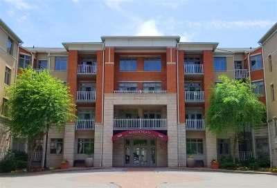 North Bergen Condo/Townhouse For Sale: 7400 River Rd #208