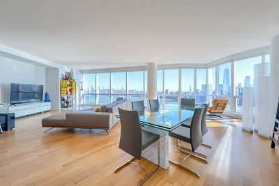 Jersey City Condo/Townhouse For Sale: 77 Hudson St #4704