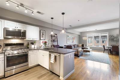 Hoboken Condo/Townhouse For Sale: 901 Madison St #6F