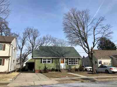 Clifton Single Family Home For Sale: 18 Lotz Hill Rd