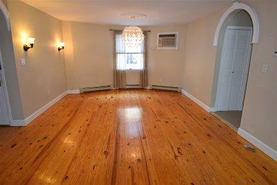 Bayonne Condo/Townhouse For Sale: 593 Avenue E #2