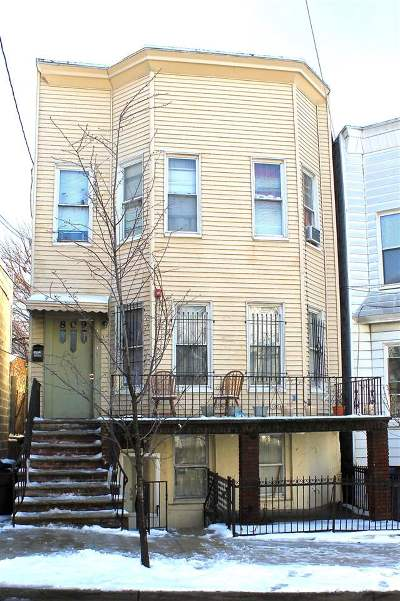 Union City Multi Family Home For Sale: 809 18th St