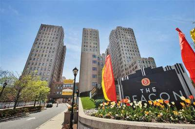 Jersey City Condo/Townhouse For Sale: 4 Beacon Way #713