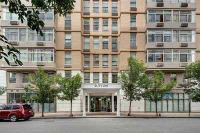 Jersey City NJ Condo/Townhouse For Sale: $560,000