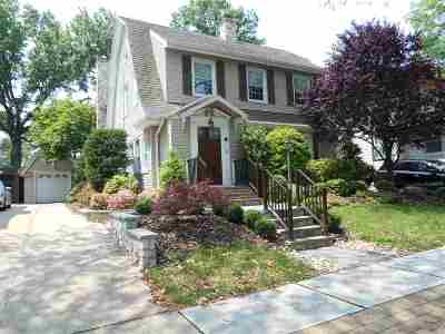 Bayonne Single Family Home For Sale: 10 Wesley Ct
