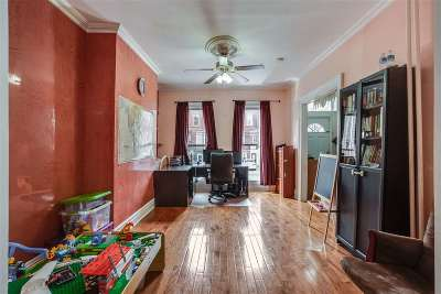 Jersey City Single Family Home For Sale: 168 Belmont Ave