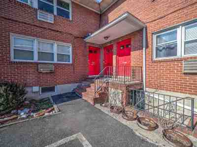 North Bergen Condo/Townhouse For Sale: 4325 Meadowview Ave #2A