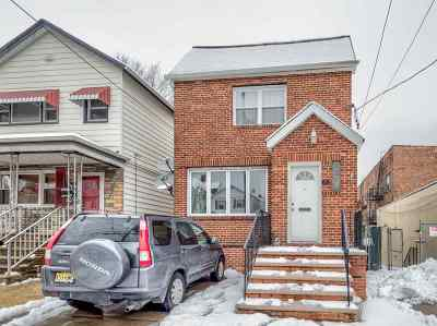 Bayonne Single Family Home For Sale: 65 West 51st St