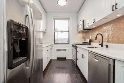 Jersey City Condo/Townhouse For Sale: 104 Palisade Ave #C2