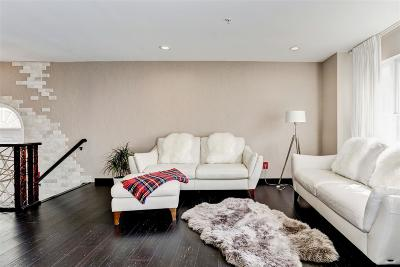 Bayonne Condo/Townhouse For Sale: 11 Bayside Dr