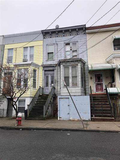 Jersey City Single Family Home For Sale: 45 South St