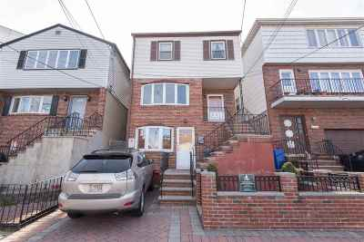 Jersey City Single Family Home For Sale: 624 Liberty Ave