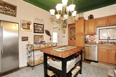 Bayonne Single Family Home For Sale: 72 West 5th St